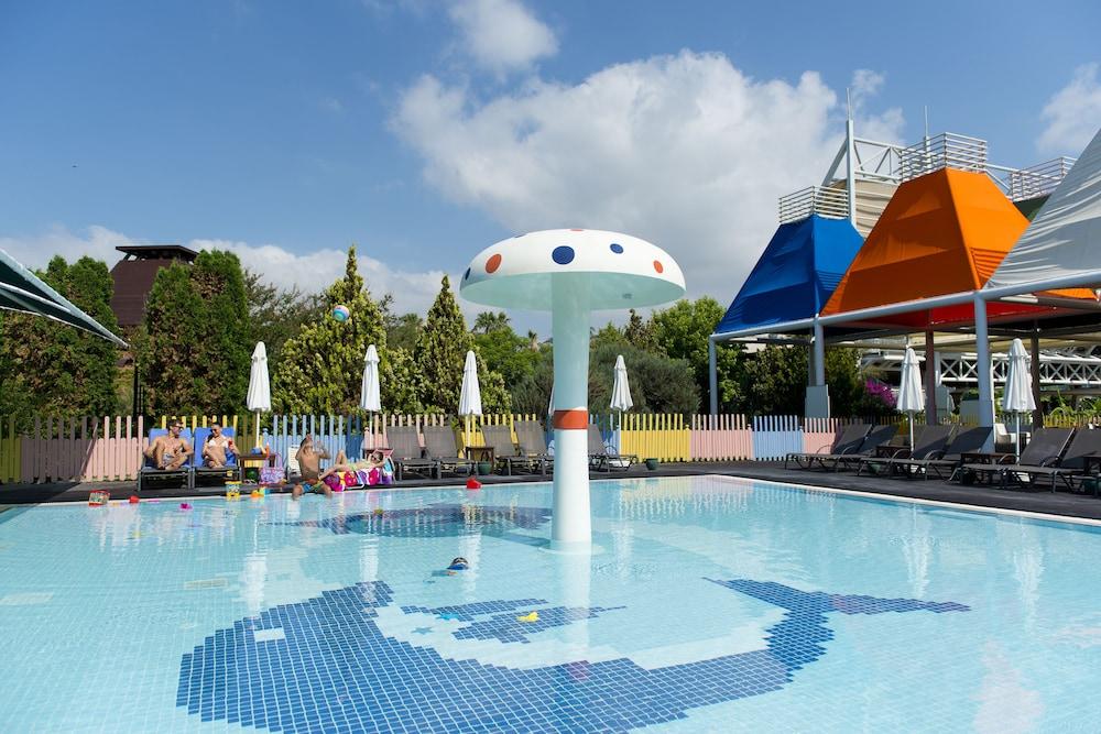 콩코드 드 럭스 리조트 - 올 인클루시브(Concorde De Luxe Resort - All Inclusive) Hotel Image 24 - Childrens Pool