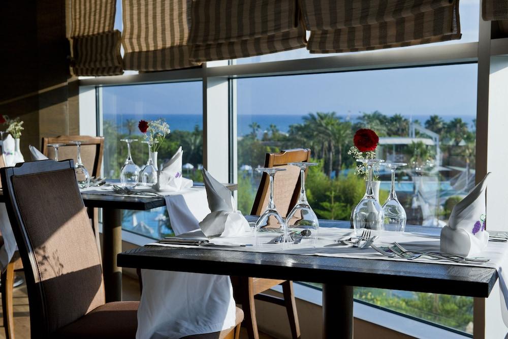 콩코드 드 럭스 리조트 - 올 인클루시브(Concorde De Luxe Resort - All Inclusive) Hotel Image 49 - Restaurant