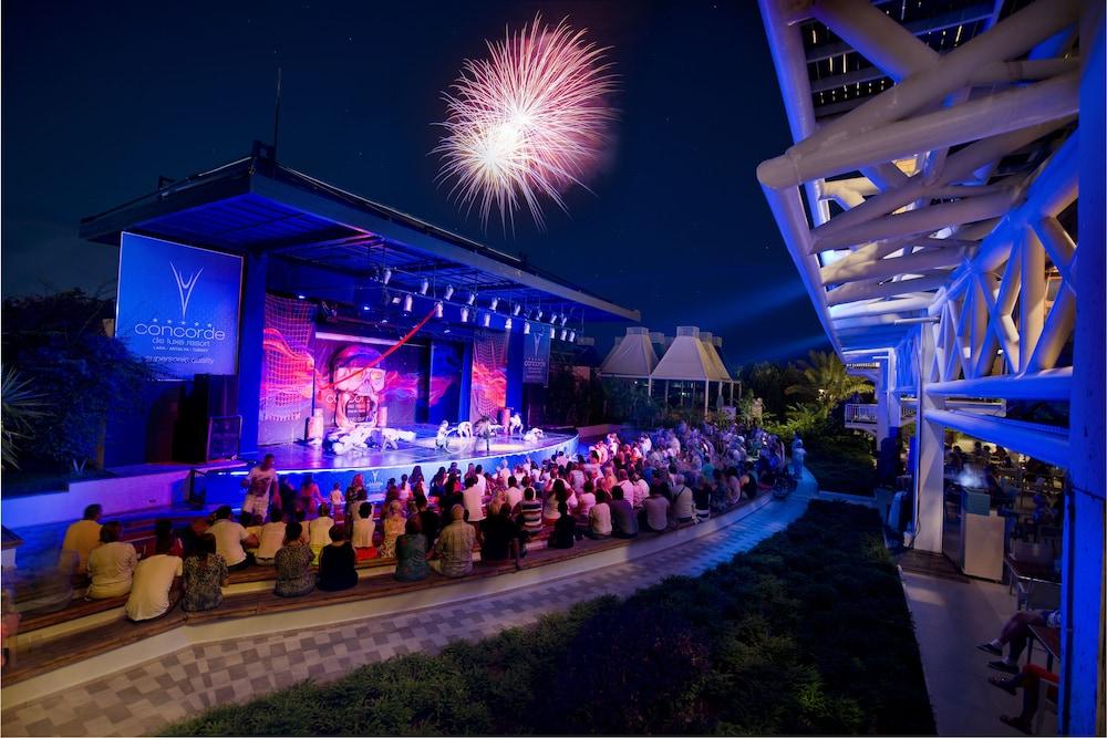 콩코드 드 럭스 리조트 - 올 인클루시브(Concorde De Luxe Resort - All Inclusive) Hotel Image 44 - Theater Show