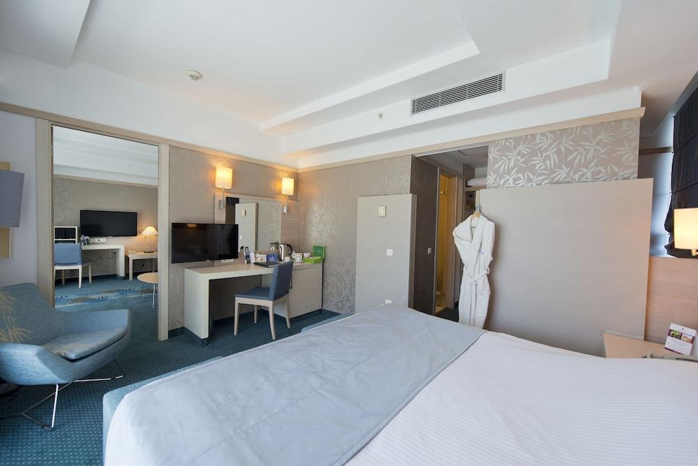 콩코드 드 럭스 리조트 - 올 인클루시브(Concorde De Luxe Resort - All Inclusive) Hotel Image 5 - Guestroom
