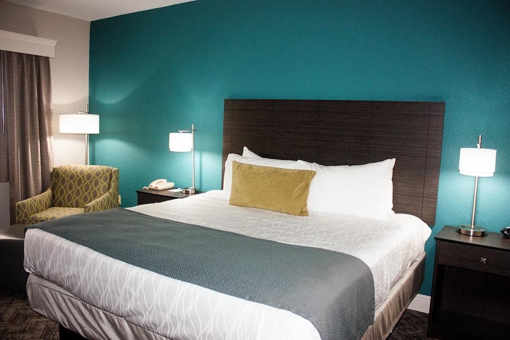 베스트 웨스턴 플러스 세바스티앙 호텔 & 스위트(Best Western Plus Sebastian Hotel & Suites) Hotel Image 13 - Guestroom