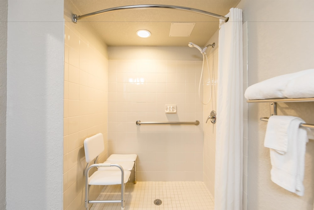 베스트 웨스턴 플러스 세바스티앙 호텔 & 스위트(Best Western Plus Sebastian Hotel & Suites) Hotel Image 45 - Guestroom