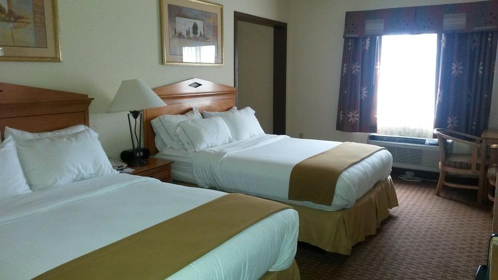 홀리데이 인 익스프레스 호텔 앤드 스위트 젠크스(Holiday Inn Express Hotel & Suites Jenks) Hotel Image 6 - Guestroom