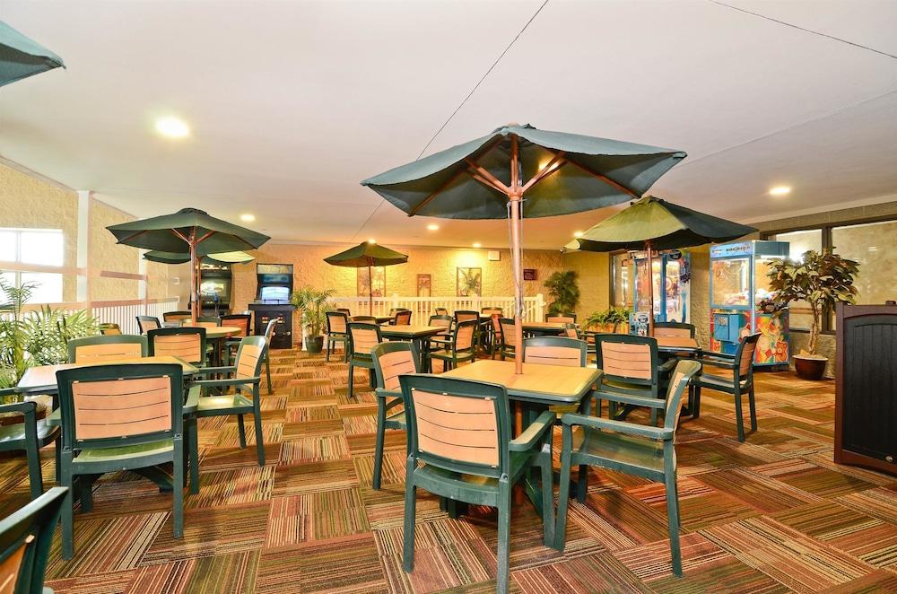 베스트 웨스턴 프리미어 브리지우드 리조트 호텔(Best Western Premier Bridgewood Resort Hotel) Hotel Image 36 - Arcade