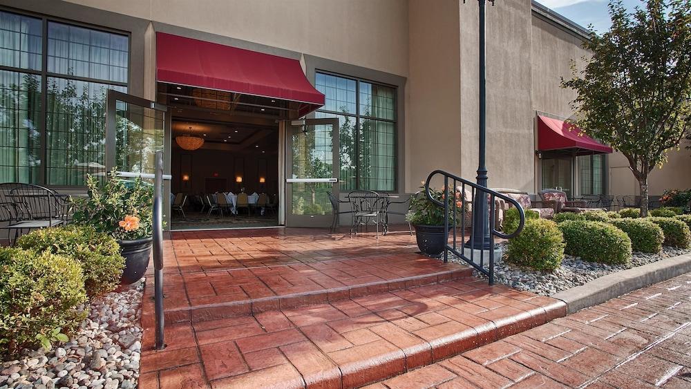 베스트 웨스턴 프리미어 브리지우드 리조트 호텔(Best Western Premier Bridgewood Resort Hotel) Hotel Image 47 - Terrace/Patio