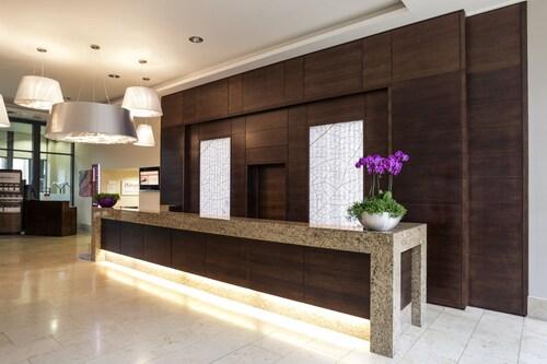 . Mercure Sheffield St Paul's Hotel & Spa