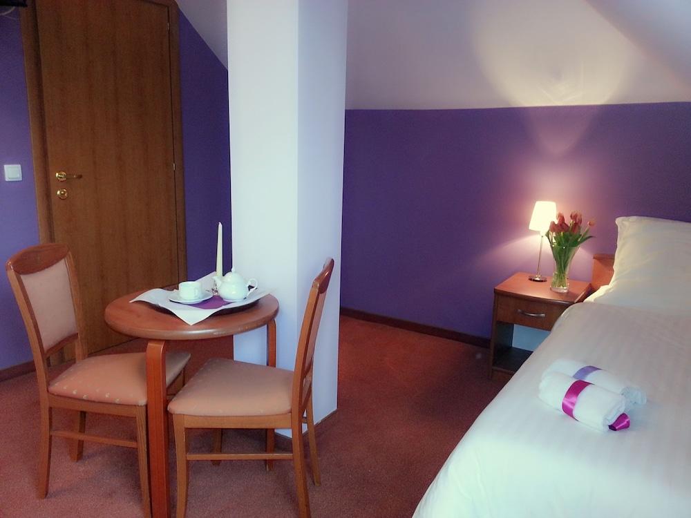 호텔 에바(Hotel Eva) Hotel Image 4 - Guestroom
