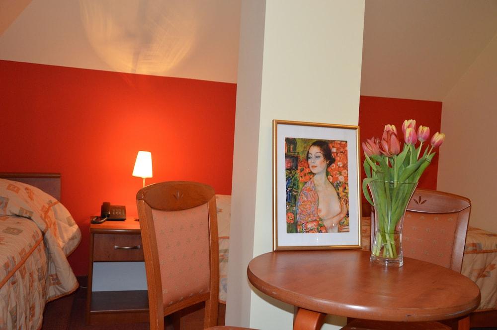 호텔 에바(Hotel Eva) Hotel Image 6 - Guestroom