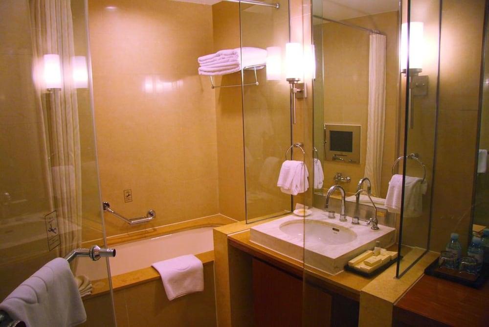 장궈 가든 호텔(Jianguo Garden Hotel) Hotel Image 16 - Bathroom
