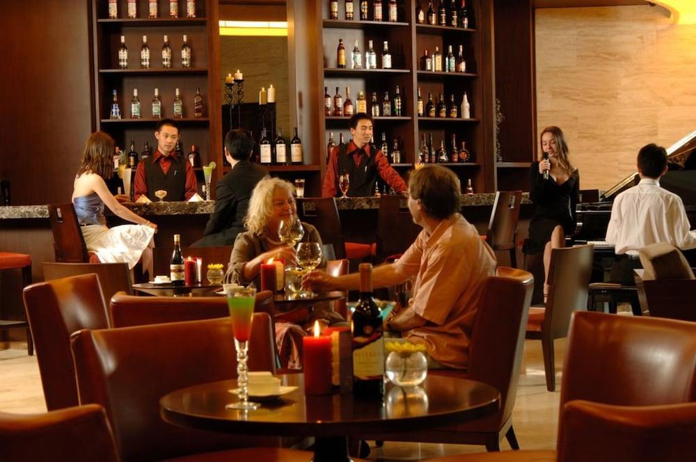 장궈 가든 호텔(Jianguo Garden Hotel) Hotel Image 24 - Hotel Bar