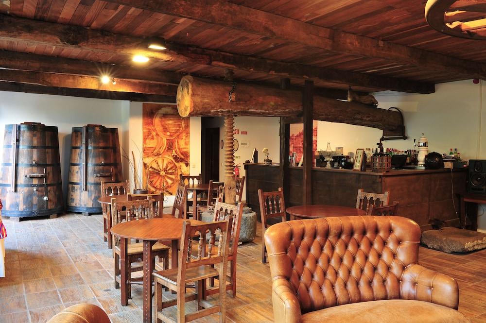 에스탈라젬 두 발레(Estalagem Do Vale) Hotel Image 33 - Hotel Bar
