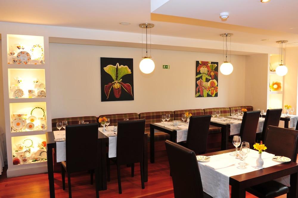 에스탈라젬 두 발레(Estalagem Do Vale) Hotel Image 28 - Dining