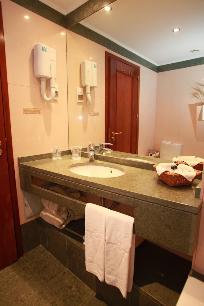 에스탈라젬 두 발레(Estalagem Do Vale) Hotel Image 15 - Bathroom