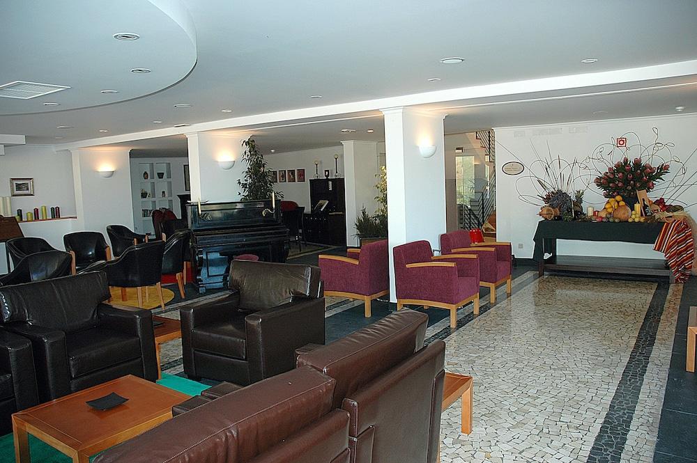 에스탈라젬 두 발레(Estalagem Do Vale) Hotel Image 35 - Hotel Lounge