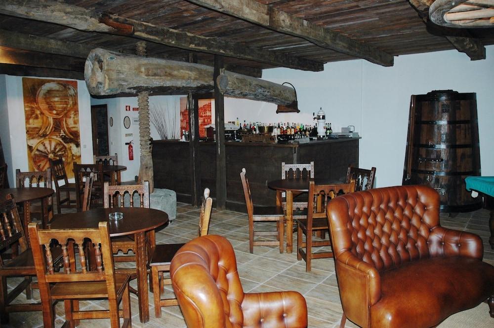 에스탈라젬 두 발레(Estalagem Do Vale) Hotel Image 31 - Hotel Bar