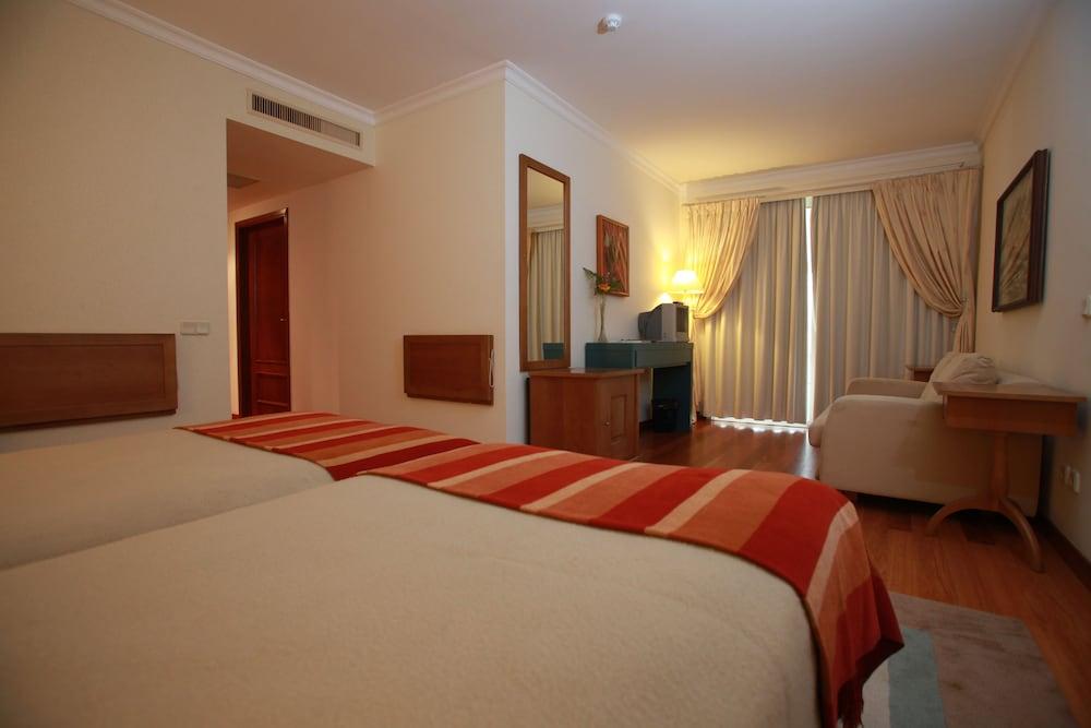 에스탈라젬 두 발레(Estalagem Do Vale) Hotel Image 9 - Guestroom