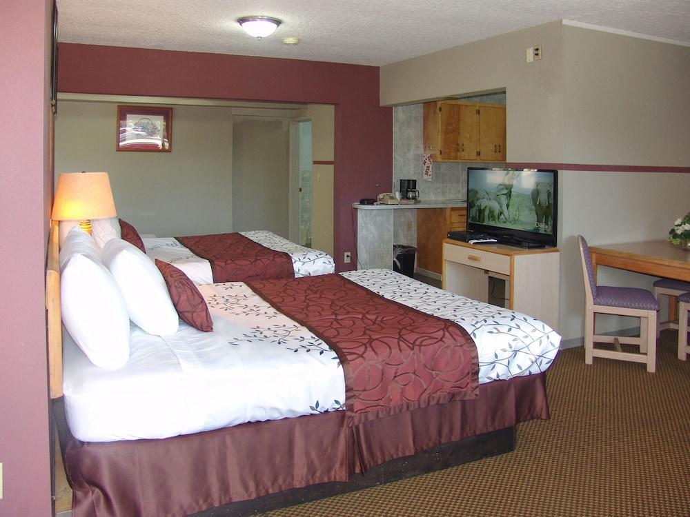 인 앳 새먼 크리크(The Inn At Salmon Creek) Hotel Image 4 - Guestroom