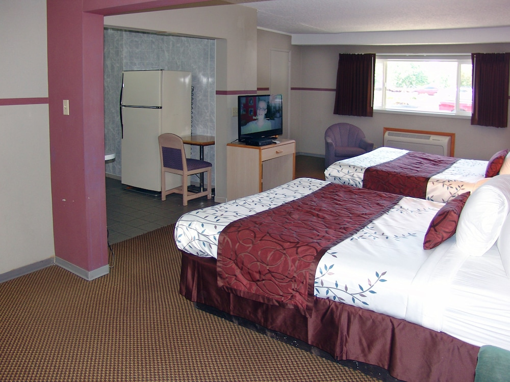 인 앳 새먼 크리크(The Inn At Salmon Creek) Hotel Image 10 - Guestroom