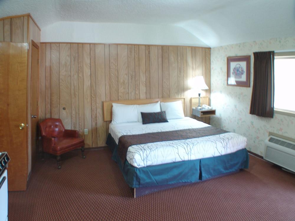 인 앳 새먼 크리크(The Inn At Salmon Creek) Hotel Image 13 - Guestroom