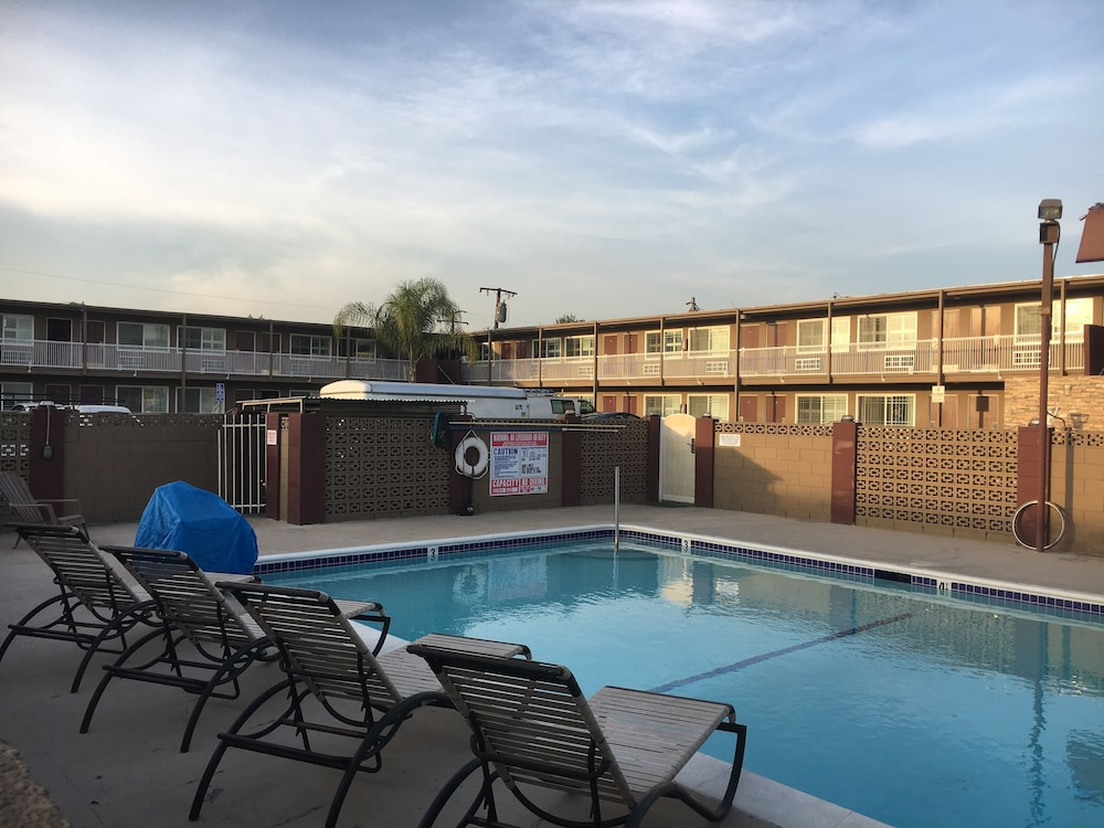앤젤스 모텔 피코 리베라(Angels Motel Pico Rivera) Hotel Image 25 - Outdoor Pool