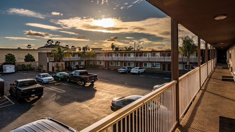 앤젤스 모텔 피코 리베라(Angels Motel Pico Rivera) Hotel Image 20 - Balcony View