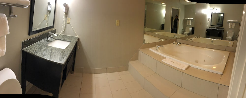 디어필드 인 앤드 스위트(Deerfield Inn & Suites) Hotel Image 15 - Private Spa Tub