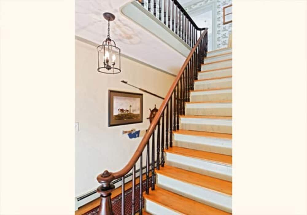 블랙 랜턴(Black Lantern) Hotel Image 10 - Staircase