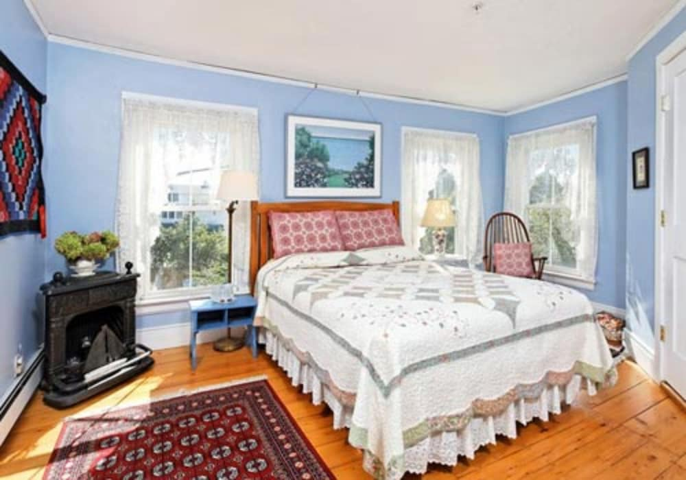 Classic Room, 1 Queen Bed with Sofa bed, Private Bathroom, River View
