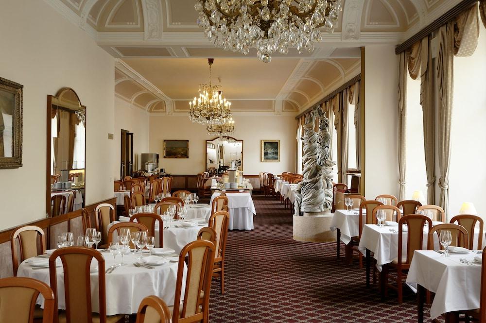 오레아 스파 호텔 보헤미아(Orea Spa Hotel Bohemia) Hotel Image 18 - Restaurant