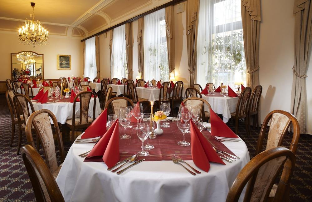 오레아 스파 호텔 보헤미아(Orea Spa Hotel Bohemia) Hotel Image 20 - Restaurant