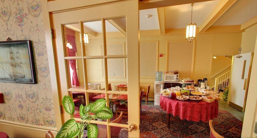 아메리카스 컵 인(Americas Cup Inn) Hotel Image 27 - Hotel Interior