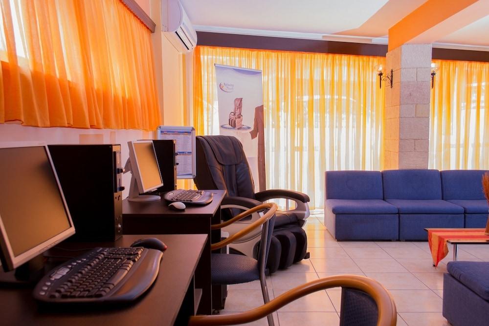 유로파 호텔(Europa Hotel) Hotel Image 26 - Business Center