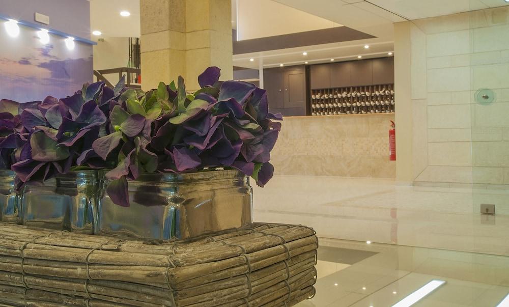 유로파 호텔(Europa Hotel) Hotel Image 3 - Lobby