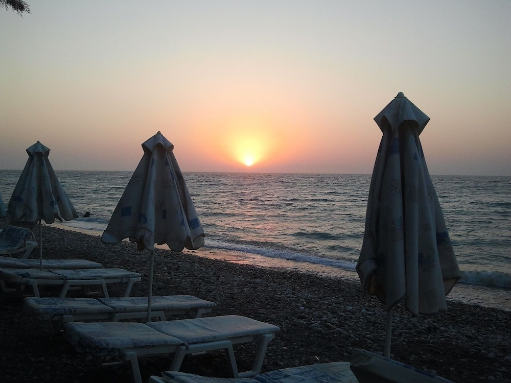 유로파 호텔(Europa Hotel) Hotel Image 27 - Beach