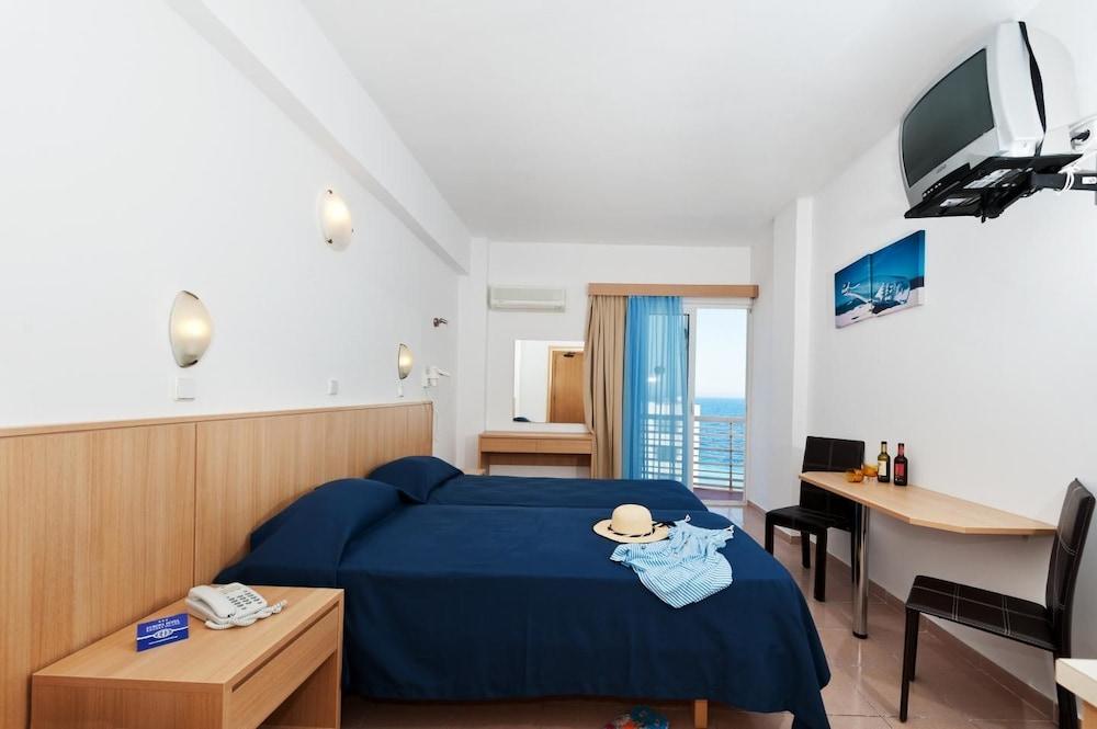 유로파 호텔(Europa Hotel) Hotel Image 11 - Guestroom