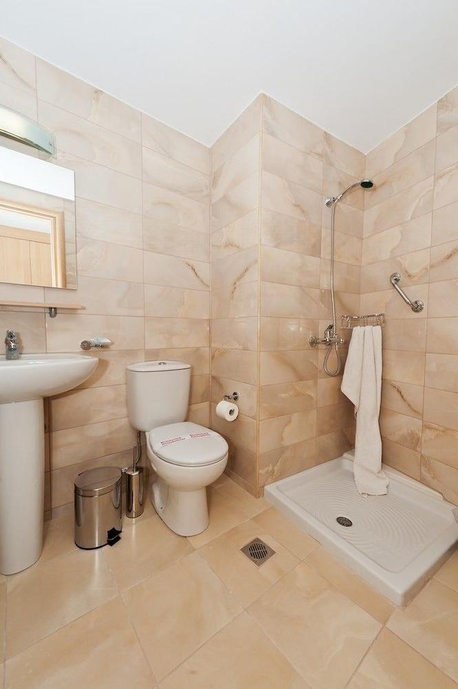 유로파 호텔(Europa Hotel) Hotel Image 17 - Bathroom