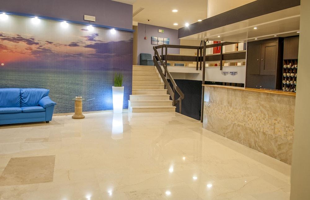 유로파 호텔(Europa Hotel) Hotel Image 4 - Reception