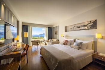Premium Tek Büyük Veya İki Ayrı Yataklı Oda, Balkon, Deniz Manzaralı