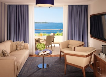 Superior Suite With Terrace And Sea View V Level Service