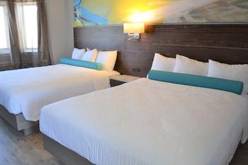 Standard Room, 2 Queen Beds, No View