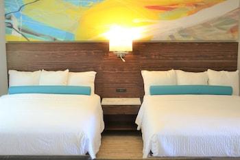 Standard Room, 2 Queen Beds, Ocean View