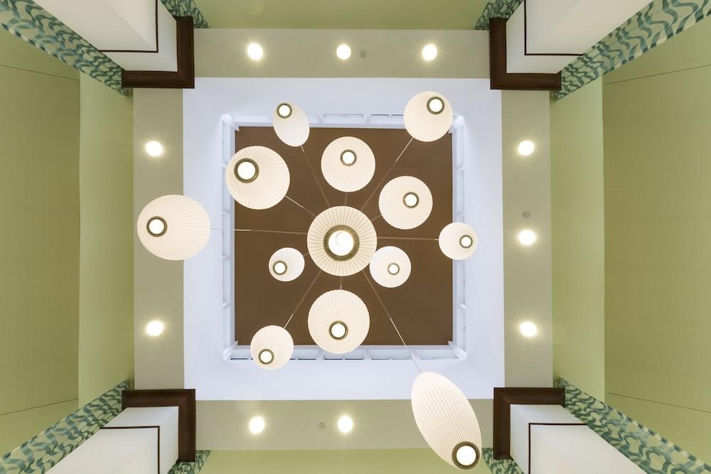 힐튼 가든 인 시애틀 노스/에버렛(Hilton Garden Inn Seattle North/Everett) Hotel Image 2 - Lobby