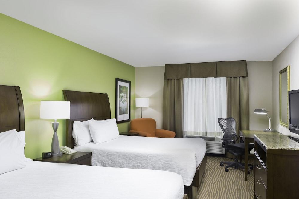 힐튼 가든 인 시애틀 노스/에버렛(Hilton Garden Inn Seattle North/Everett) Hotel Image 8 - Guestroom