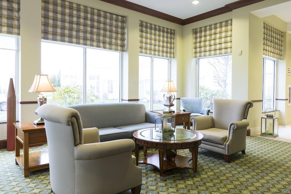 힐튼 가든 인 시애틀 노스/에버렛(Hilton Garden Inn Seattle North/Everett) Hotel Image 4 - Lobby Sitting Area
