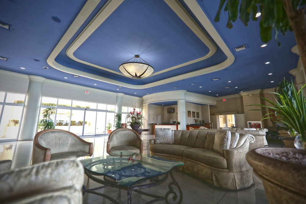 심슨 베이 비치 리조트 & 마리나(Simpson Bay Beach Resort and Marina) Hotel Image 1 - Lobby Sitting Area