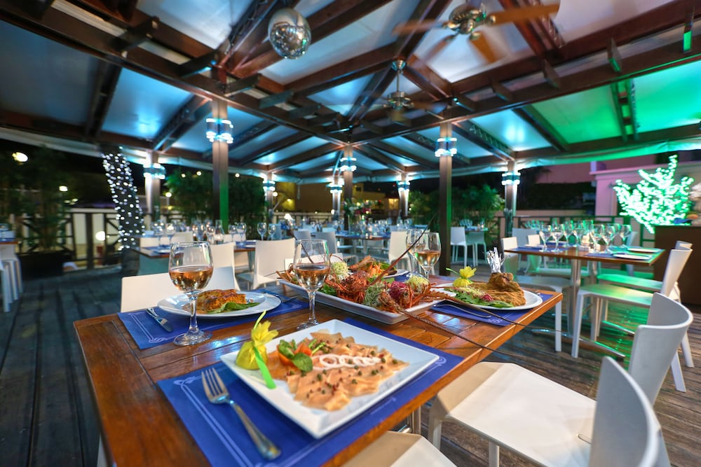 심슨 베이 비치 리조트 & 마리나(Simpson Bay Beach Resort and Marina) Hotel Image 47 - Restaurant