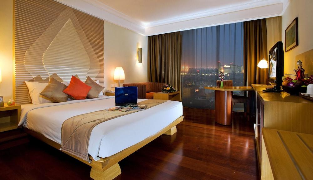 노보텔 세마랑(Novotel Semarang) Hotel Image 8 - Guestroom