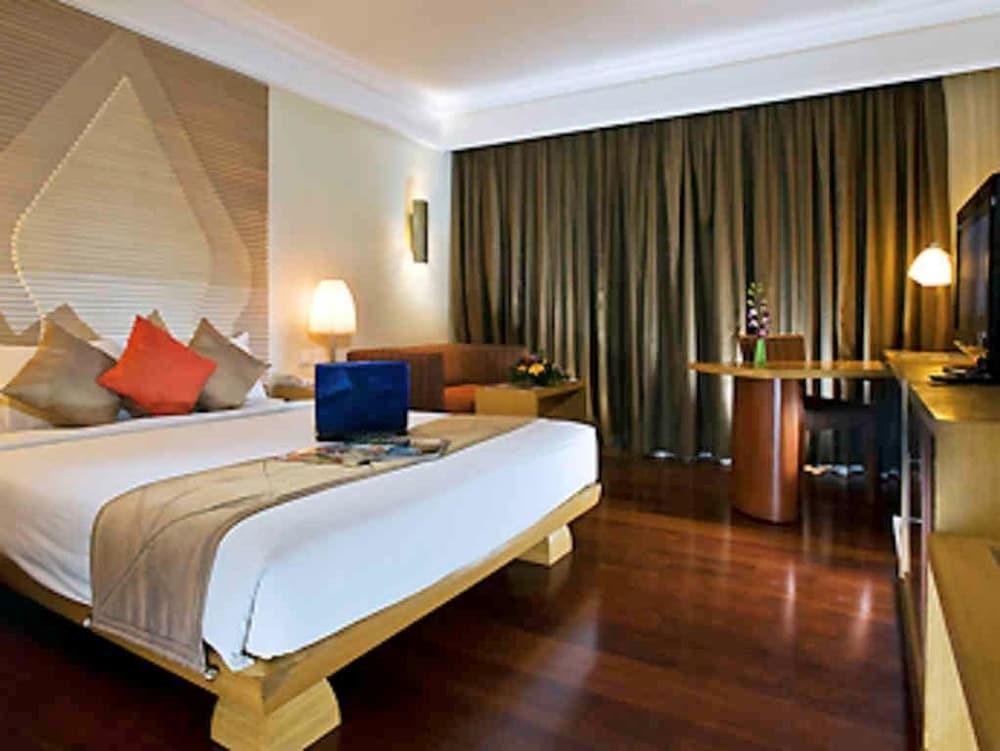 노보텔 세마랑(Novotel Semarang) Hotel Image 24 - Guestroom