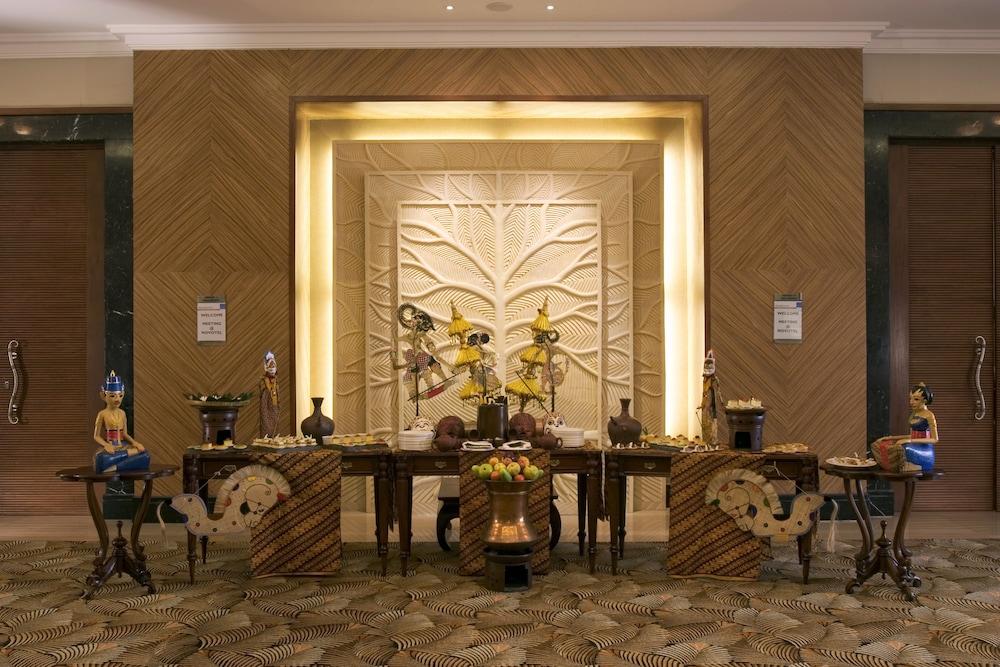노보텔 세마랑(Novotel Semarang) Hotel Image 2 - Lobby