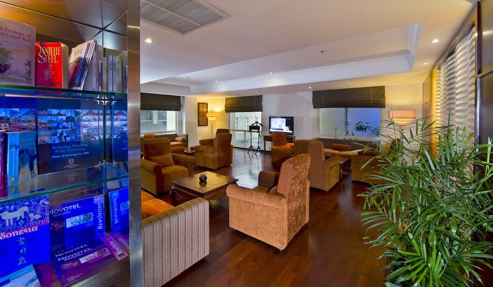 노보텔 세마랑(Novotel Semarang) Hotel Image 38 - Lobby Lounge